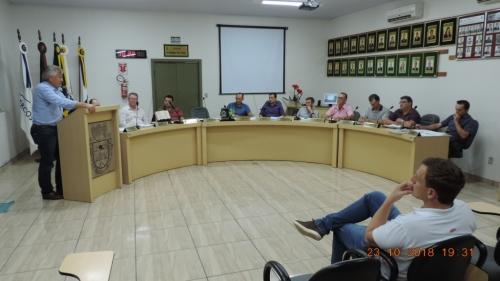 PROPRIETÁRIO DA EMPRESA MANDAKÁ ALIMENTOS PARTICIPA DE SESSÃO ORDINÁRIA